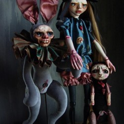 """Klaudia Gaugier. Horka Dolls. """"Asica"""". Clay, porcelain, velvet, polyester, silk, pea. 33 cm"""
