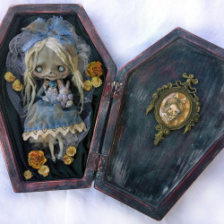 "Domenico Scalisi ""My Lost Alice"". Polymer clay, wood, fabric"